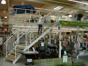 Galéria lépcsővel